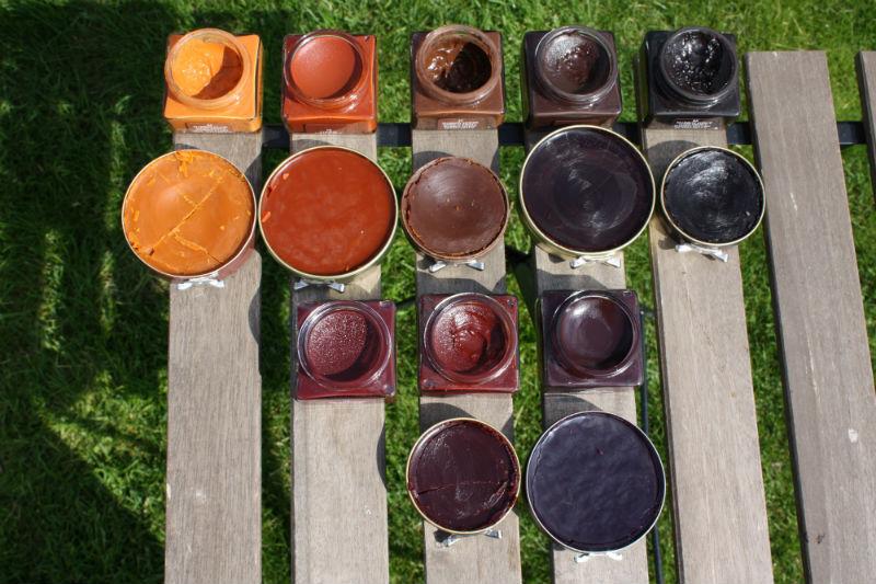 Skorna efter målning och puts