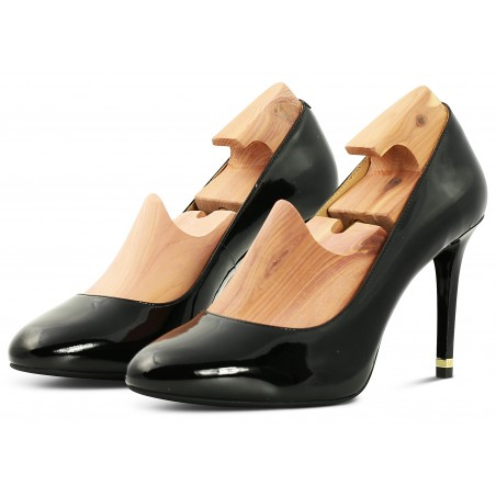 Shoe tree for womens shoes with heels