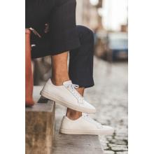 Sneaker i vitt läder
