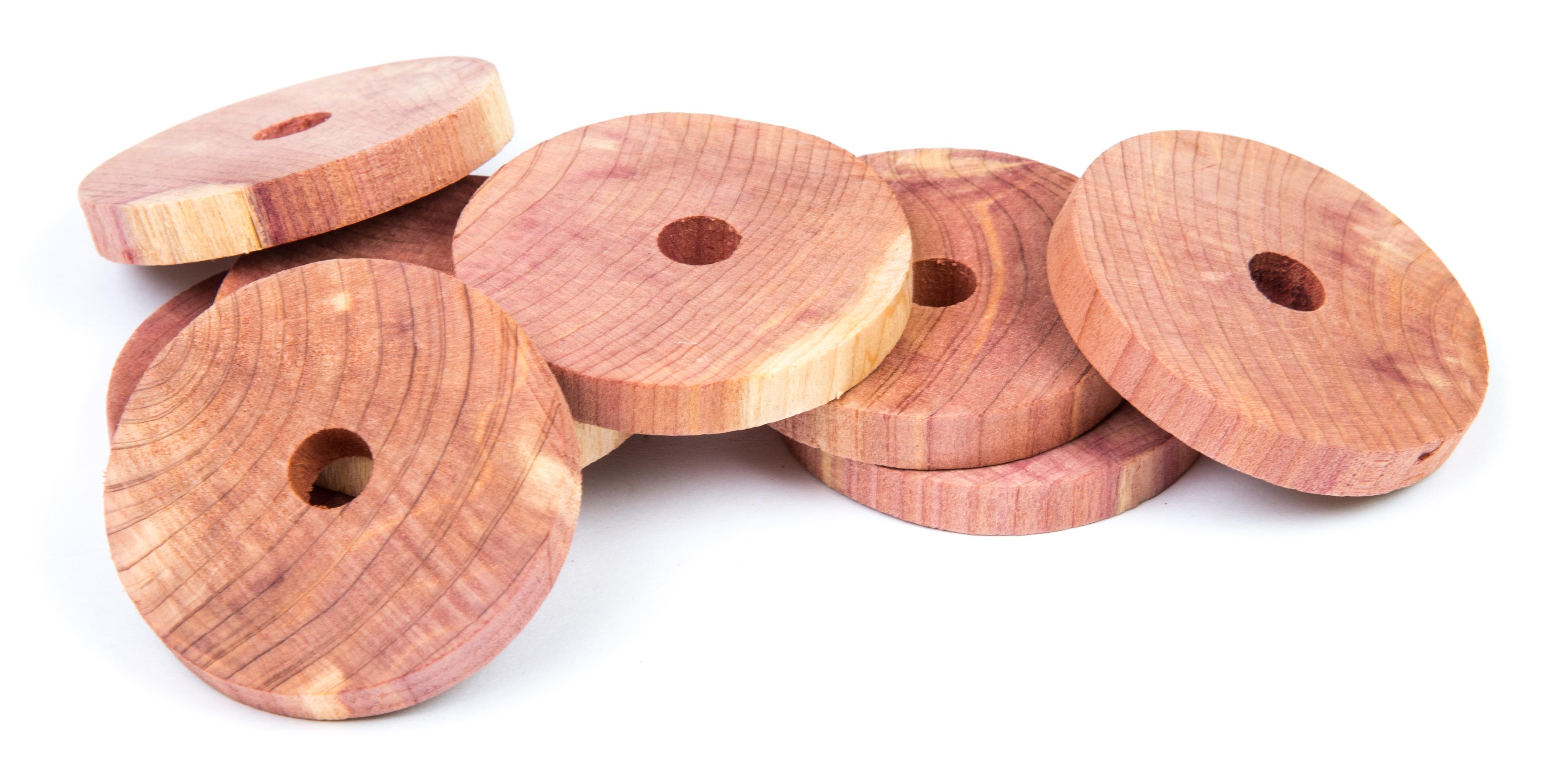 Rings in cedar