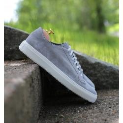 Sneaker in light grey suede