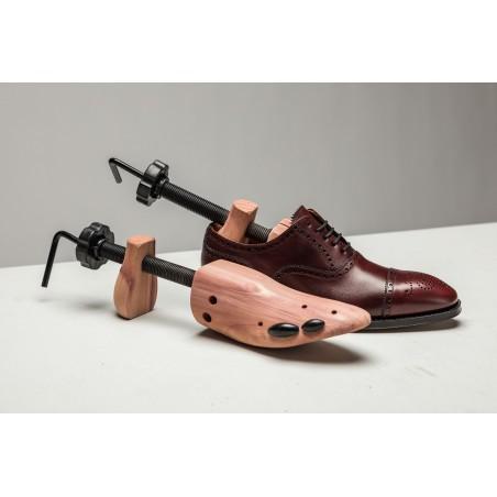 Skoblock för att töja ut skor