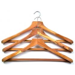 Hanger in cedar wood