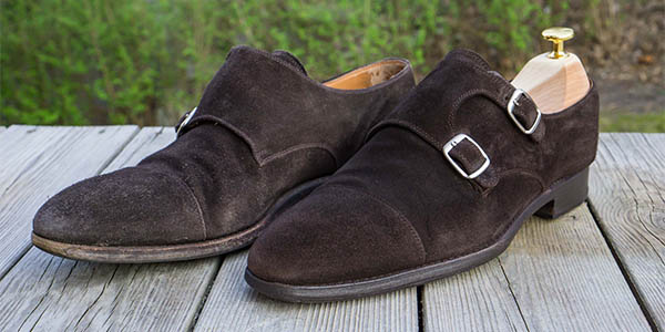 Guide: Cleaning, refreshing and protecting suede shoes